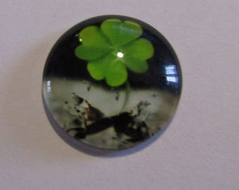 cabochon glass 20mm theme 4 clover leaves reflective at night