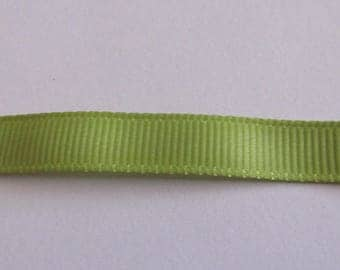 Ribbon green grosgrain with water 10mm wide