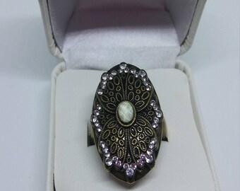 Vintage Art Deco Style ring