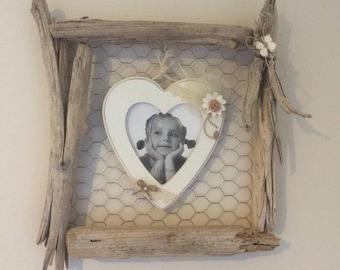 Wall frame Driftwood & heart