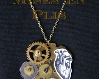 The heart of time necklace - steampunk