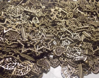 Wholesale lot of 500 charms bronze.