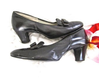 50s Black Leather Shoes Heels Pumps Bow Day Casual Vintage Size 7.5 - 8
