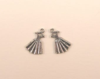 Set of 2 charms dress, silver, 20 mm x 14 mm.