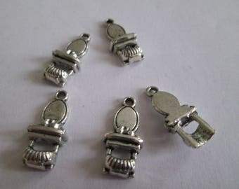 SILVER DRESSING TABLE CHARM