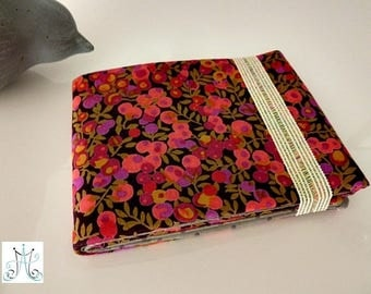 """Classic"" checkbook - Liberty Wiltshire pink and Brown"