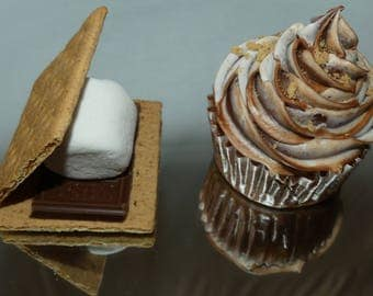 Homemade s'more cupcakes