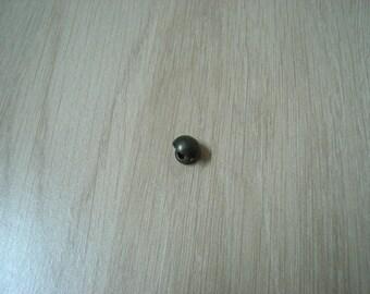 small button bonbee officer bronze metal