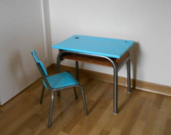 Small desk old new look with its matching Chair