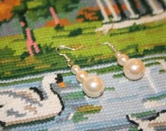 White pearls earrings