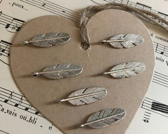 Small feathers charms lot