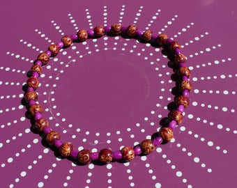 The Choker necklace with wooden beads