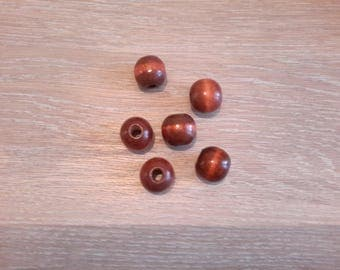Set of 6 Brown round wood beads