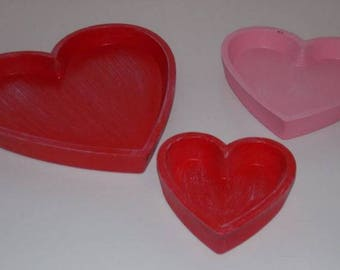 Set of 3 red heart wooden trays