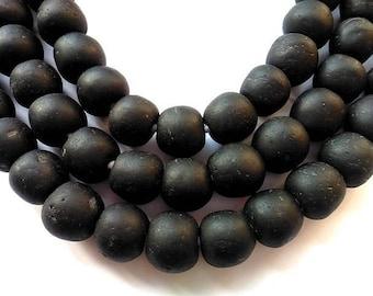 36 TGBL23 - black - translucent glass beads
