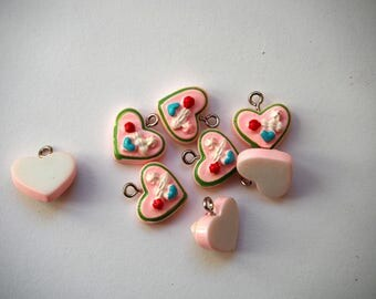 Resin charm pendant, part pink cake heart, 16mm