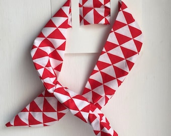 HEADBAND HAS WIGGLE - PRINTS VINTAGE RED AND WHITE
