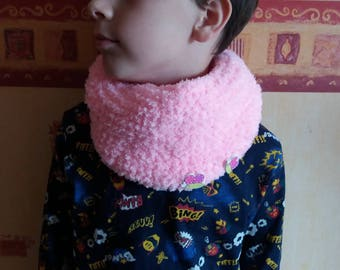 SNOOD NECK LIGHT PINK /TOUR KNIT WOOL DECORATED WITH BUTTERFLY SHAPED BUTTONS