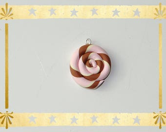 spiral strawberry, vanilla and chocolate 2.5 cm in diameter