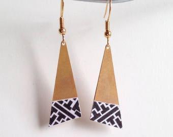 Beautiful earrings with print - gold Metal