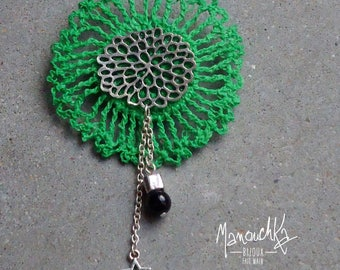 Crochet Green rosette and small pin star