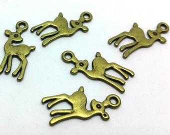 X 1 charm - deer Fawn deer. Fawn Doe Deer - Metal bronze color