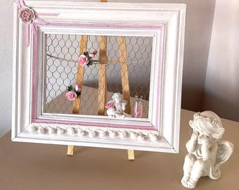 New look with wood frame with chicken wire