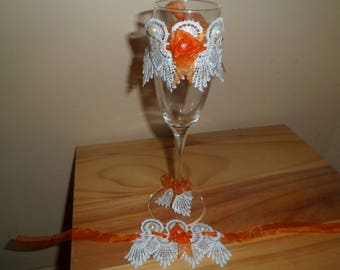 decorative glasses and matching removable lace napkin rings