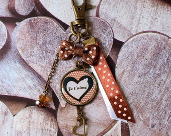 "Keychain personalized ""I love you"", love, love. Brown and white"