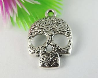Pendant Gothic silver 19 * 25 * 2 mm