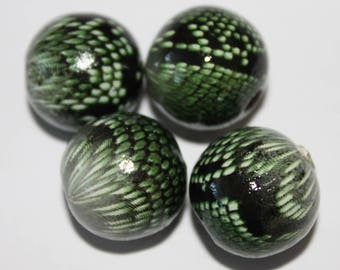 Wooden bead bright appearance, 18 mm, sold in sets of 4