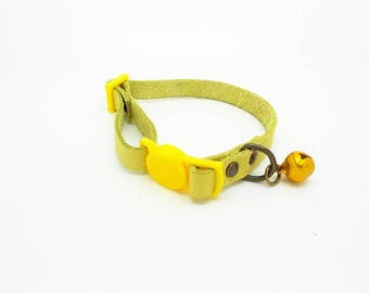adjustable yellow leather cat collar, safety clasp, bronze rivets