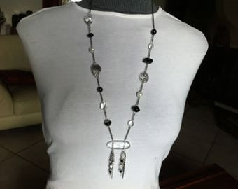 Chic black and white necklace