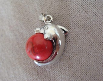 Pendant Dolphin red marbled effect
