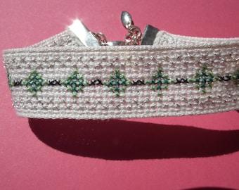embroidered green-silver diamond bracelet