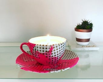 Seacup candle // Scrapbook Style // soy wax // Neon pink// Table decor