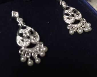 Vintage costume silver/pearl earrings