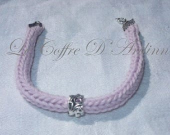 Bracelet tricotin pale pink and Pearl metal with pink rhinestones