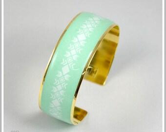 2 cm gold plated 24 k Inka Maria light green Cuff Bracelet