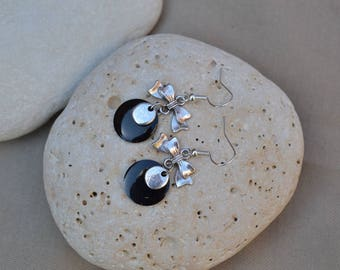 Earrings with black and pretty sequin bow