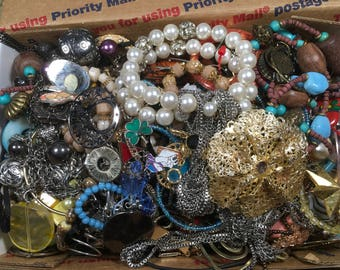 Mixed lot Vintage to now jewelry good crafting lot resell, reuse repurpose
