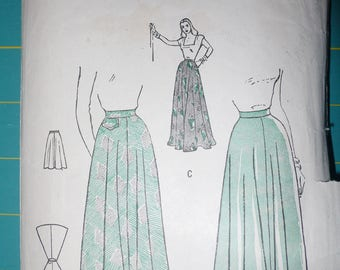 Women's Skirt Pattern, Vintage Butterick 4432, Hip 33, Waist 24 - circa 1940's