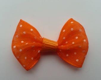 noeud en voile orange à pois blanc  35*25mm