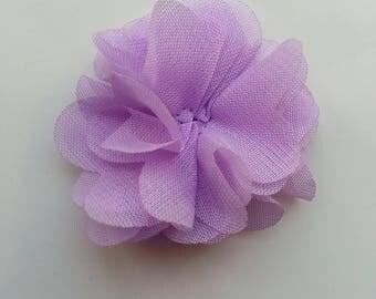 petite fleur en tissu mauve 4cm