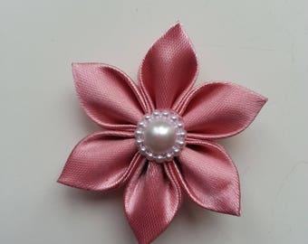 5 cm fleur de satin vieux rose   petales pointus