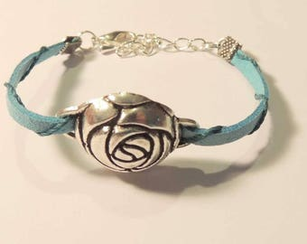 Bracelet elegant woman Blue Suede and metal rose button