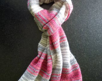 Great ombre red, gray and white knit scarf handmade