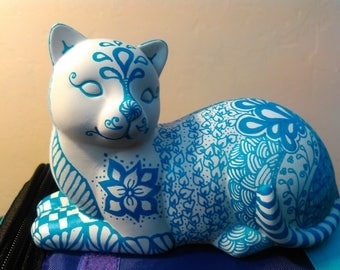ZENTANGLED CERAMIC CAT