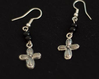 Pierced earring - Pearl and pendant