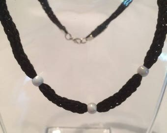 Fashion knit and Black Pearl Necklace Pearl